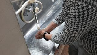 まずは手洗い�@.jpg